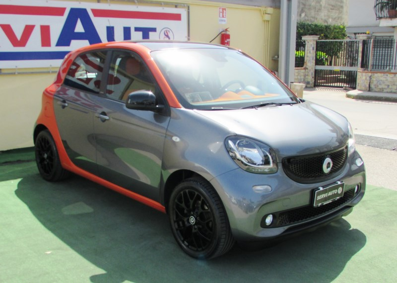 823 - SMART forFour 70 1.0 twinamic Passion